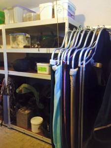 Sattelkammer mit Deckenhalter