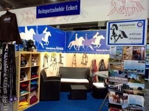 Das neue Schild wird auf der Messe Pferd und Jagd präsentiert.